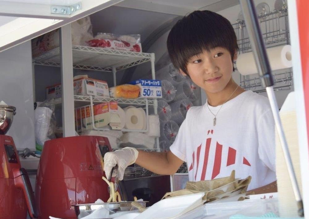 葉加瀬太郎の息子、高田万太郎は13歳で経営者?中学や誕生日、小さい頃の暴力などプロフィールを徹底調査